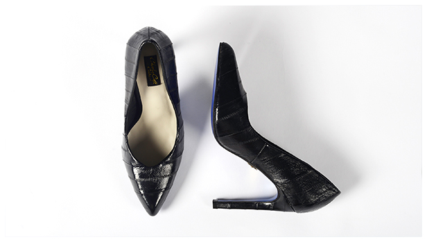 Chaussures à talons séduisantes pour femme d'affaires